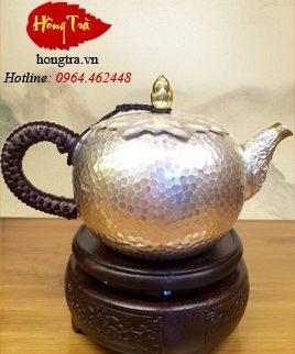 ấm pha trà bằng bạc