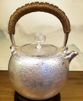 ấm đun nước bằng bạc